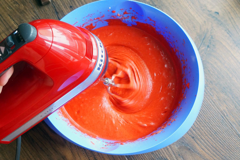 Чем окрасить крем в домашних условиях